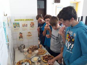 Tradicionalni slovenski zajtrk in projekt Pogum